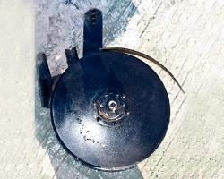 圆盘施肥开沟器