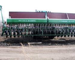内蒙2BS-5.4(6.3)型小麦播种机